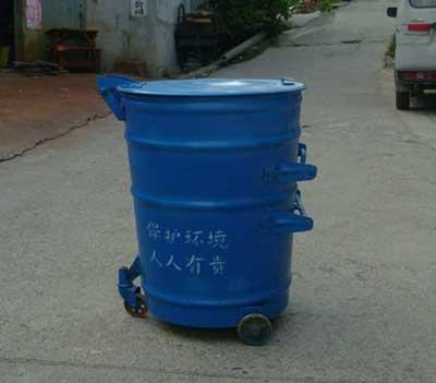 圆形三脚大铁桶 挂车垃圾桶 吊挂垃圾桶